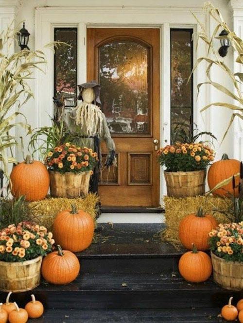 Trang Tri Nha Cua Voi Hoa Cuc Bi Ngo Ngay Halloween