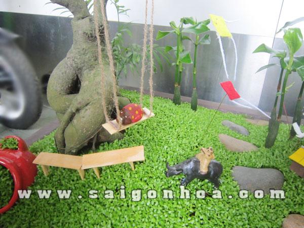 Buc Hoa Dong Que Xich Du