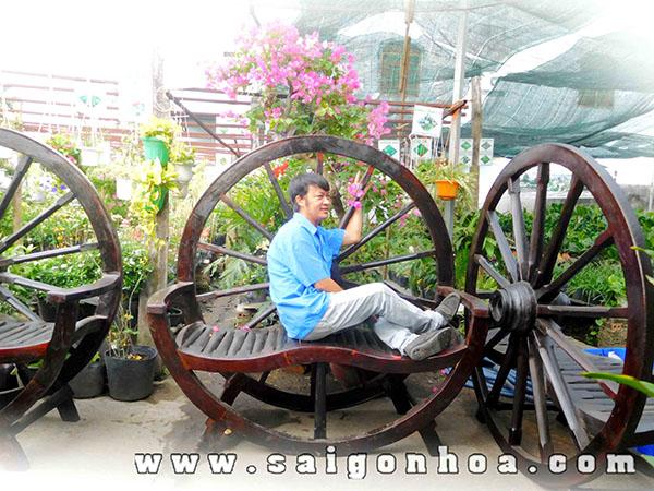Chup Hinh Cung Banh Xe Bo Ghe Ngoi