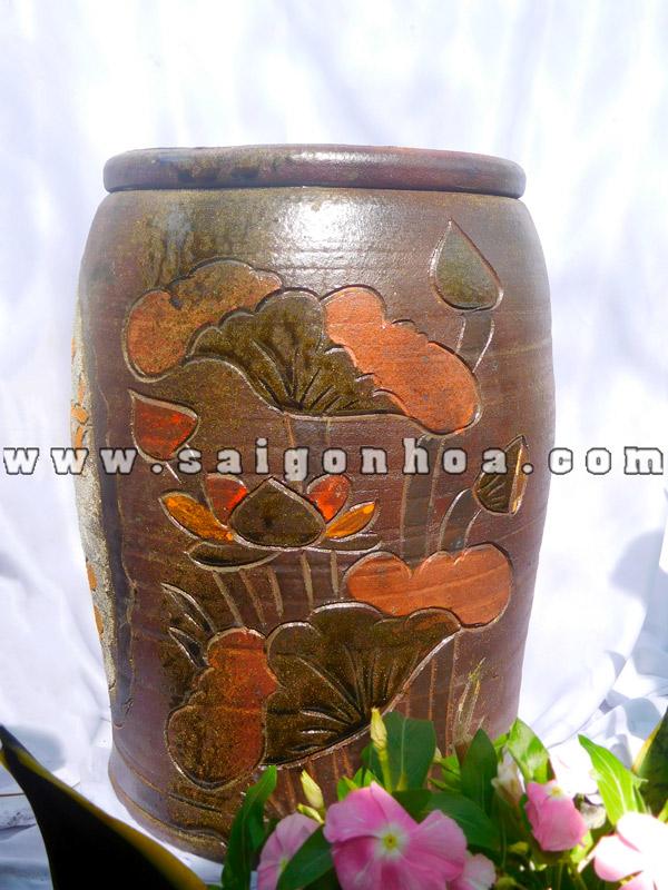 Chau Gom Hoa Van Noi