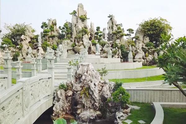 Thi Cong Canh Quan Nghia Trang
