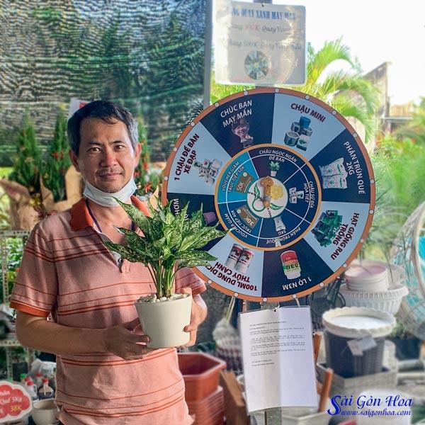 Khach Nhan Qua Vong