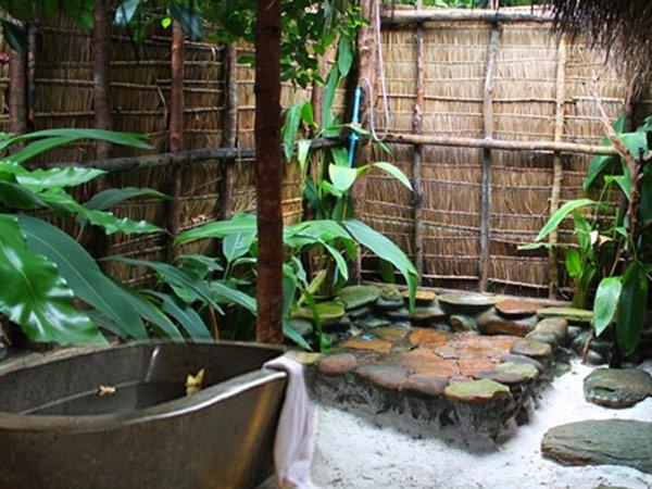 5 Mẫu Phòng Tắm Ngoài Trời Độc Đáo Cho Nhà Biệt Thự